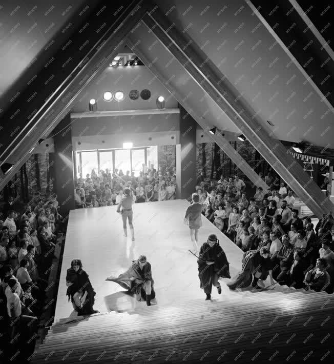 Kultúra - Vadászati Világkiállítás - Divat
