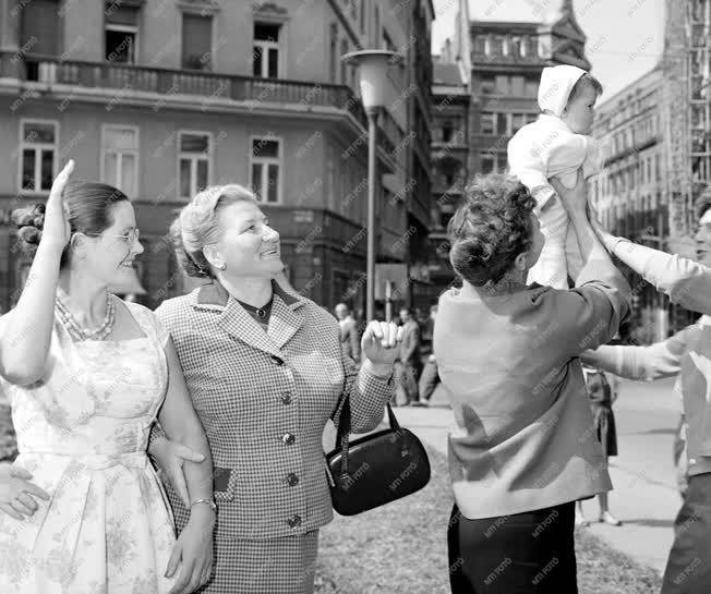 Külpolitika - Gagarinova Budapesten