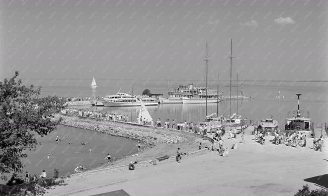Városkép - Közlekedés - Tihanyi kikötő