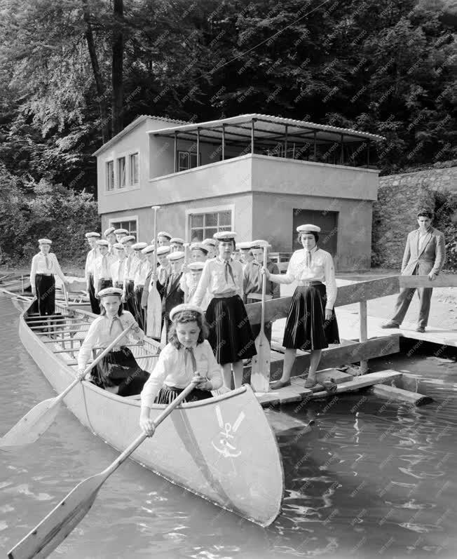 Ifjúsági szervezet - Vízi úttörők a Hámori-tavon