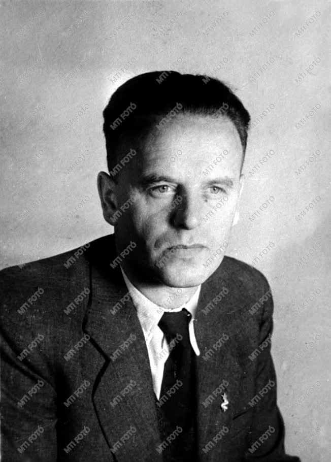 Szőnyi Tibor