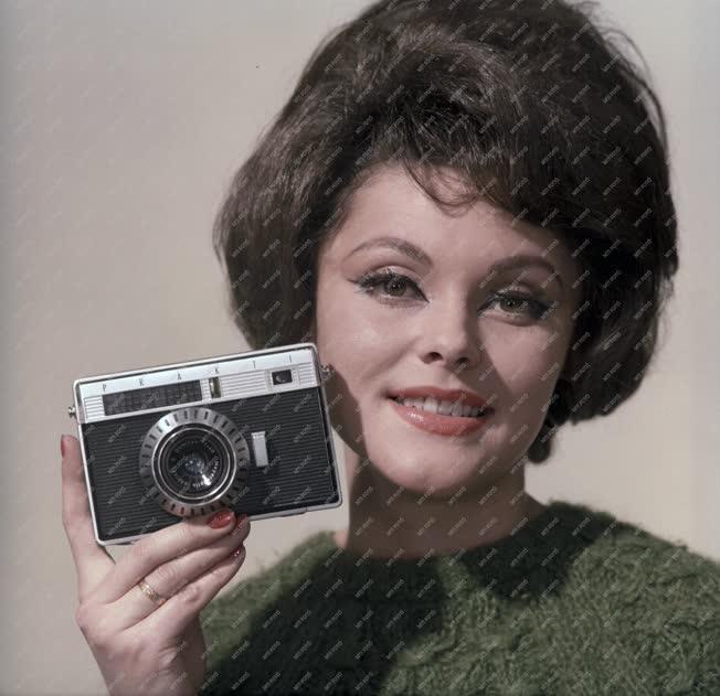 Reklám - Fényképezőgép bemutató