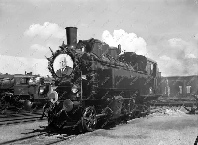 Ipar - Közlekedés - A fölújított 375-ös gőzmozdony