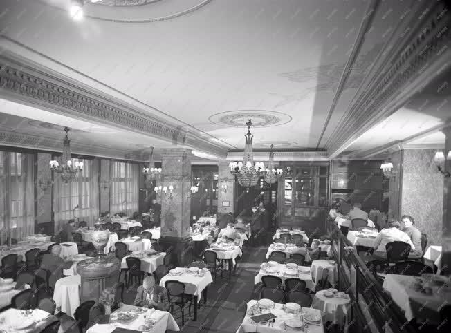 Idegenforgalom - Astoria Hotel