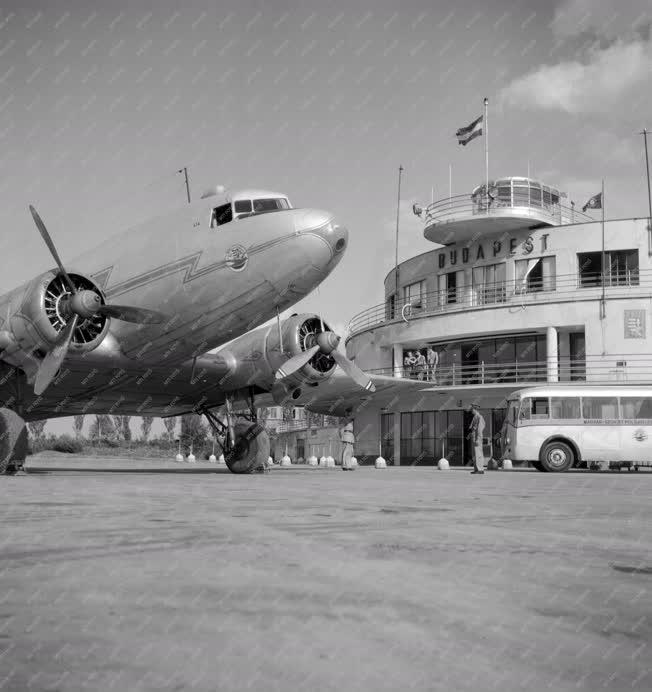Légi közlekedés - Budaörsi repülőtér