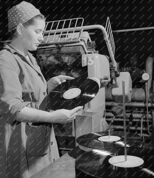 Ipar - Sztereó hanglemez kísérleti gyártás