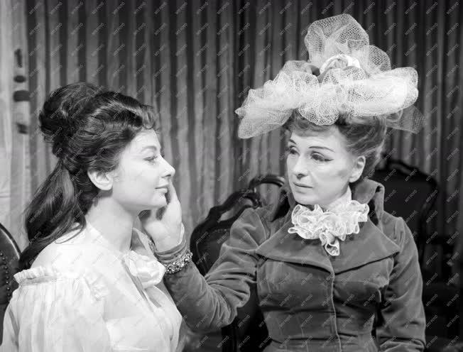 Oscar Wilde: Lady Windermere legyezője