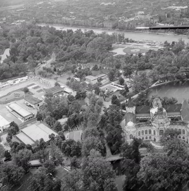 Városkép - Légifelvétel a Budapesti Ipari Vásárról