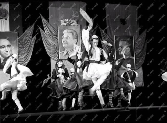 Kultúra - Az albán filharmóniai táncegyüttes vendégszereplése