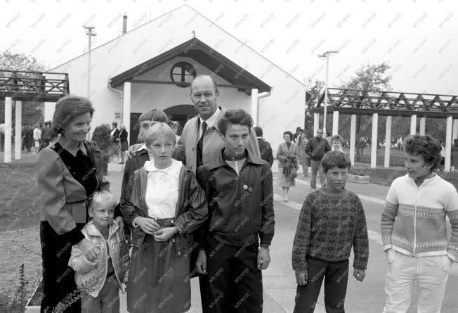 Belpolitika - Fölavatták a battonyai gyermekfalut