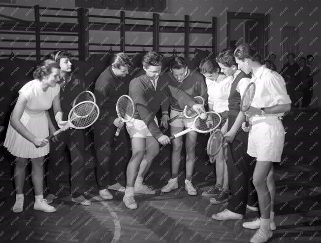Sport - Az Egri SC teniszszakosztály edzése