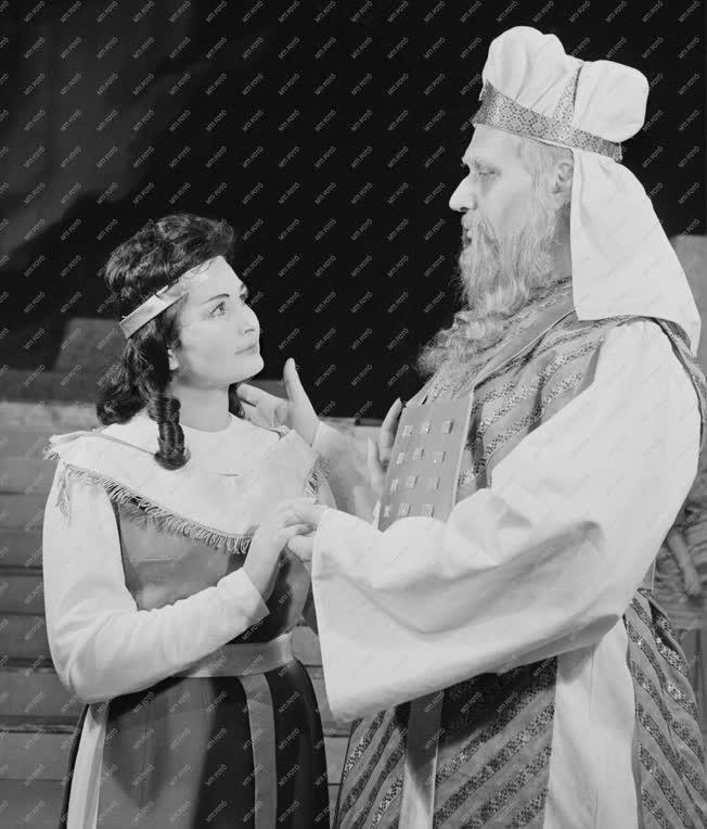 Opera - Giuseppe Verdi: Nabucco