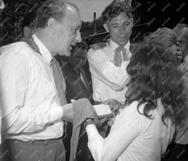 Ifjúságpolitika - Kádár János a Csillebérci Úttörőtáborban