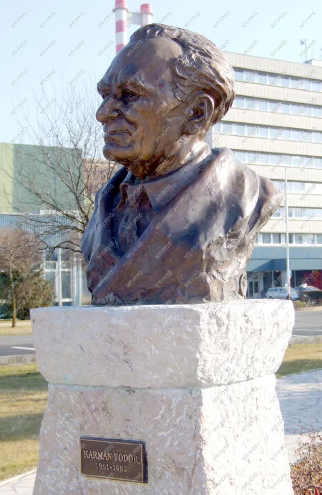 Paks - Szoborpark