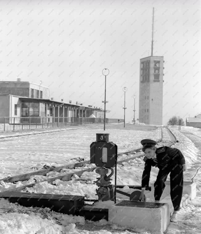 Időjárás - Leesett az idei első hó a fővárosban
