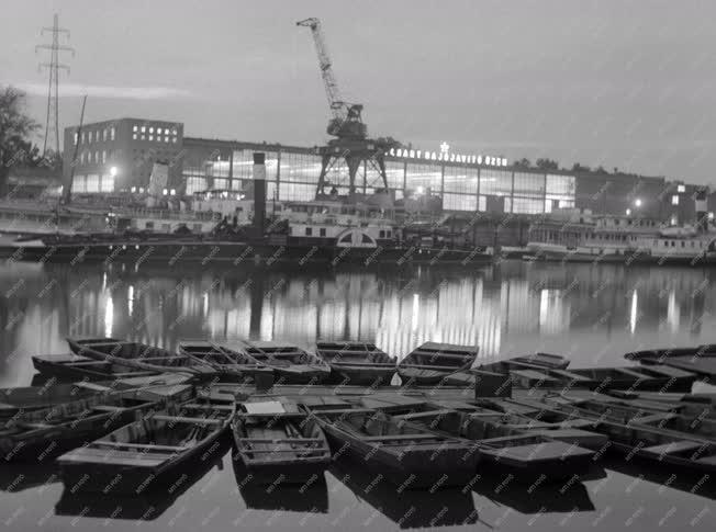 Ipar - MAHART Hajójavító Üzem