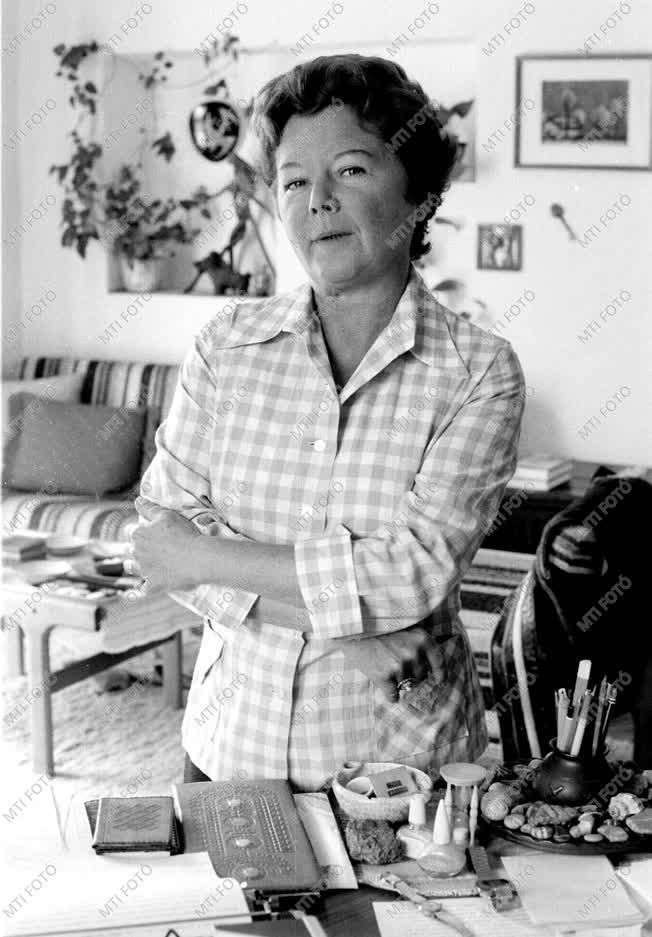 Rab Zsuzsa József Attila-díjas költő
