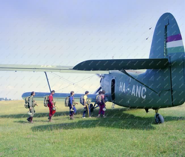 Sport - Az ejtőernyős válogatott felkészülése