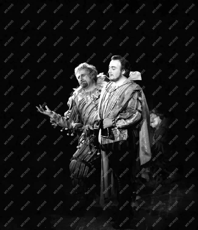 Opera - Rigoletto - Taurinoval