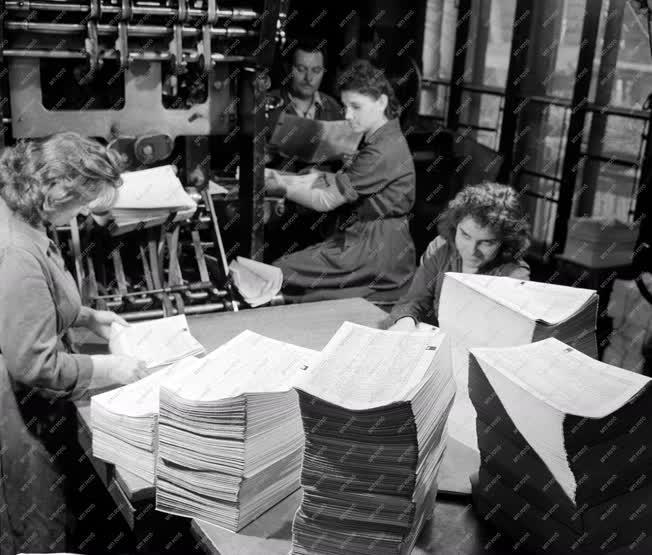 Ipar - Készül a telefonkönyv