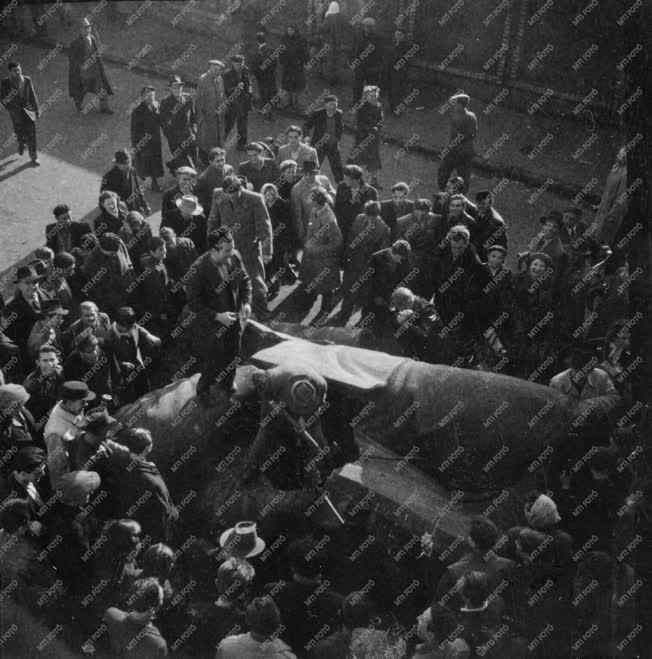 Ötvenhat emléke - A Sztálin-szobor feldarabolása