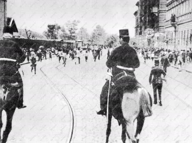 Történelem - Nagy budapesti munkástüntetés
