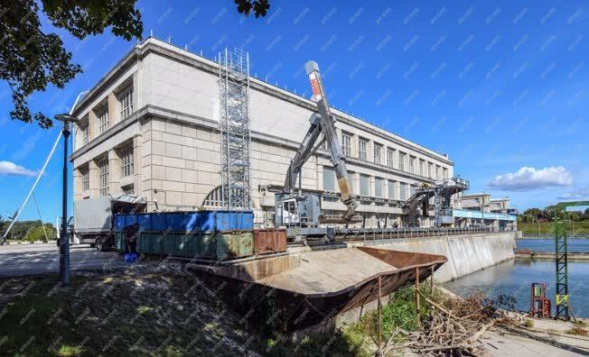Energia - Tiszalök - Rekonstrukció a vízlépcsőn