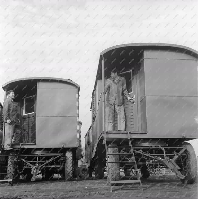 Ipar - Ipari lakókocsi gyártás