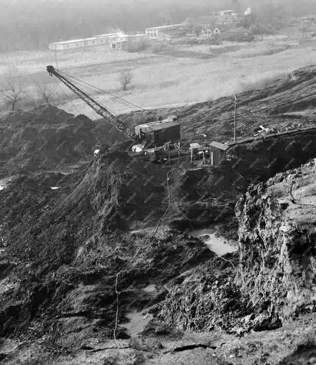 Bányászat - Tatabányai Szénbányászati Tröszt palahányó üzeme