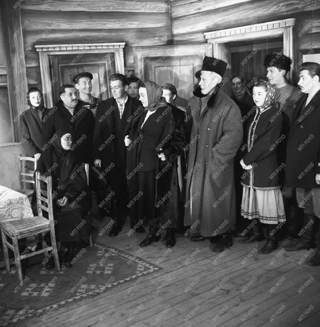Kultúra - Gyakonov: Házasság hozománnyal című vigjátéka
