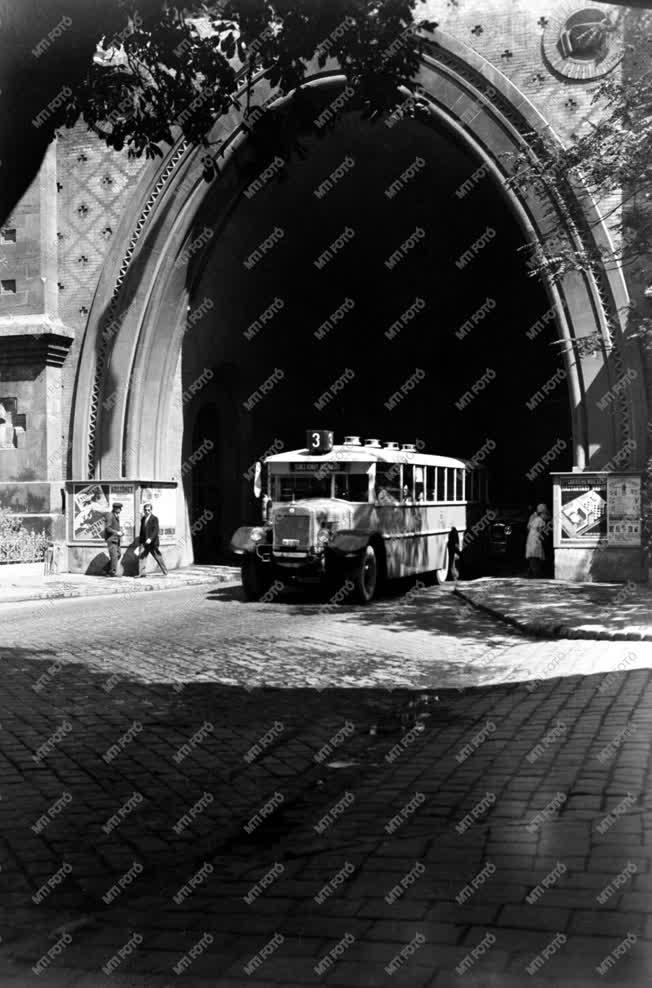 A budai Várhegy alatti alagút