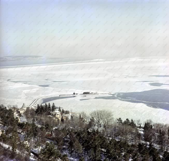 Városkép - Téli tihanyi látkép