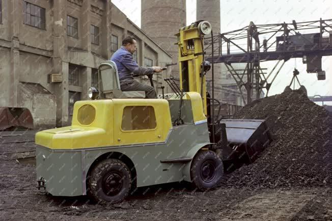 Ipar - Miskolci Könnyűgépgyár