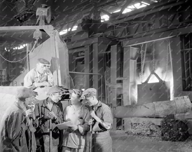 Ipar - Diósgyőr Lenin Kohászati Művek