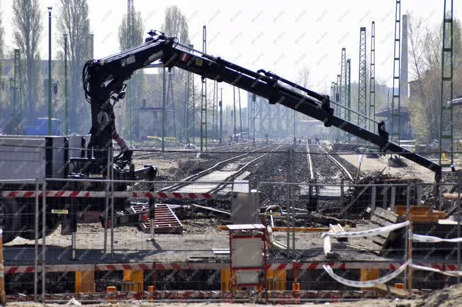 Közlekedés - Budapest - Felújítás a Budapest-Esztergom vasútvonalon