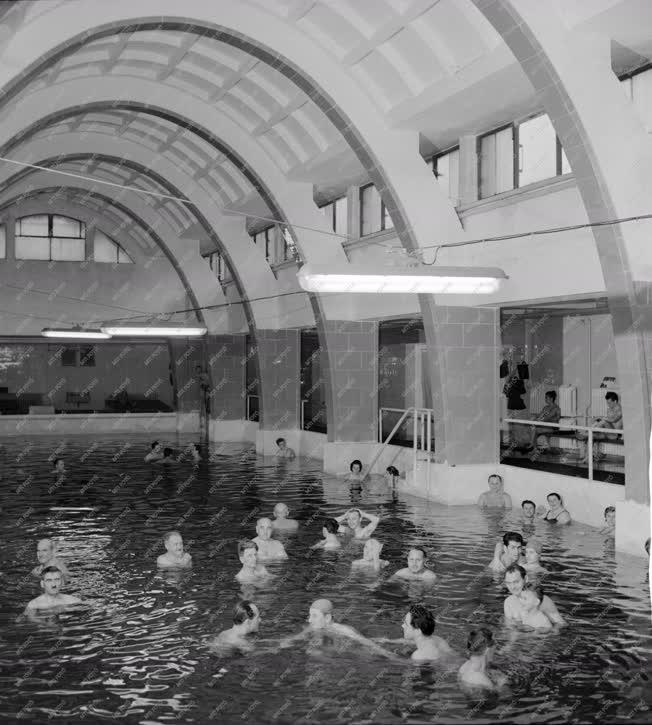 Egészségügy - Gyógyfürdő Debrecenben