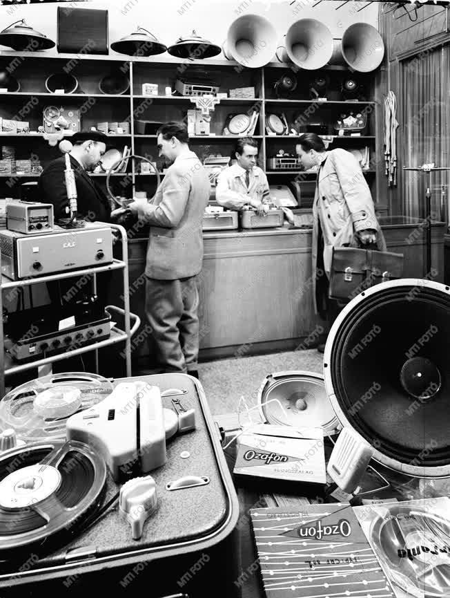 Kereskedelem - Műszaki bolt