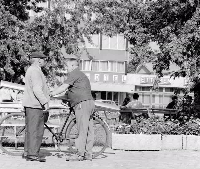 Városkép-életkép - Békéscsaba - István király tér