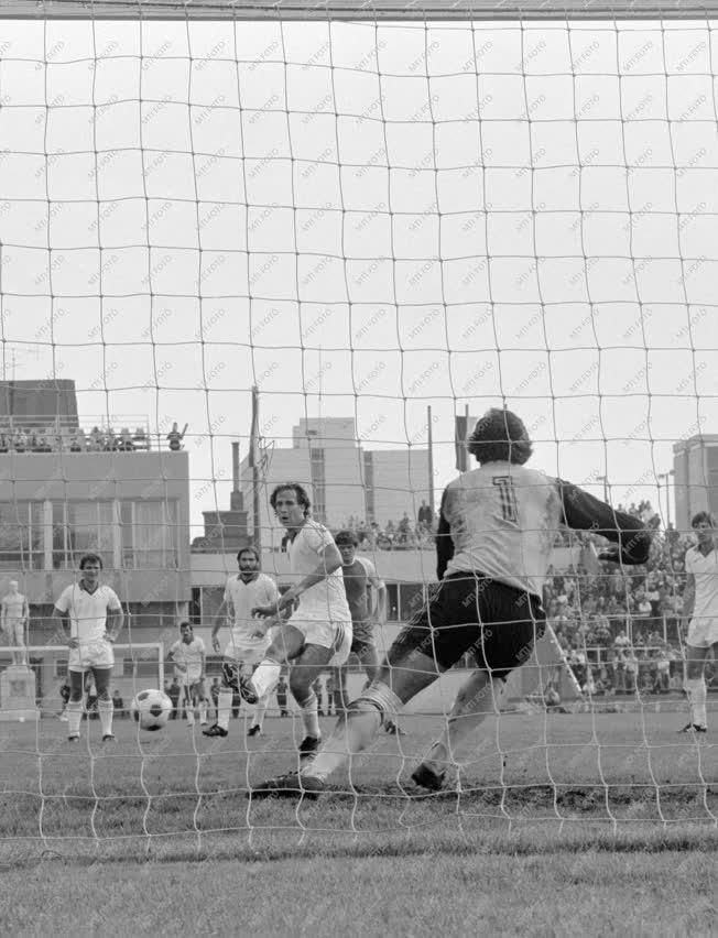 Sport - A Ferencváros-Tatabánya NB I-es labdarugó mérkőzés