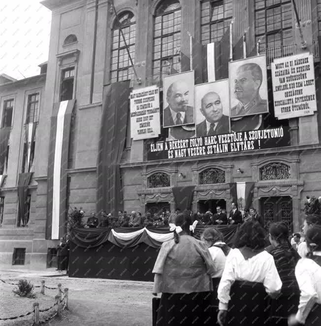 Belpolitika - Gyűlés