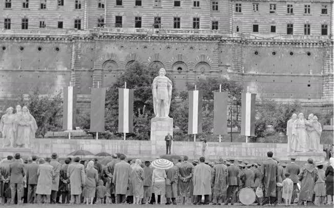 Kultúra - Dózsa György-emlékmű avatása Budapesten