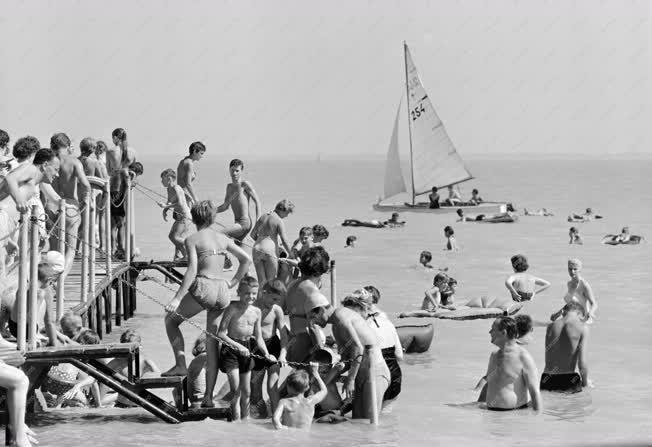 Szabadidő - Balatonalmádi strand