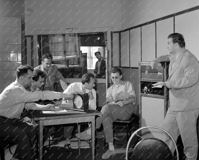 Rádió - A szolnoki rádió stúdiója