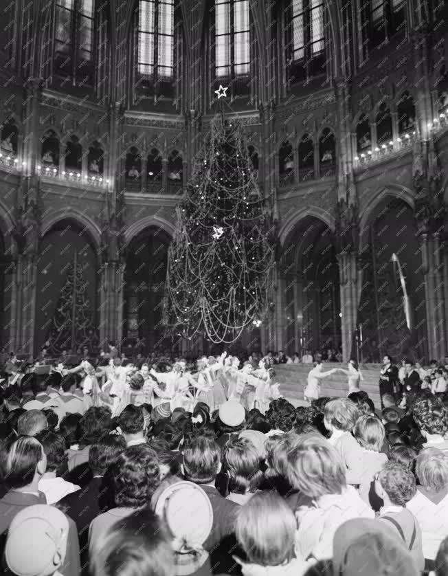Ünnep - Belpolitika - Karácsonyi ünnepség a Parlamentben