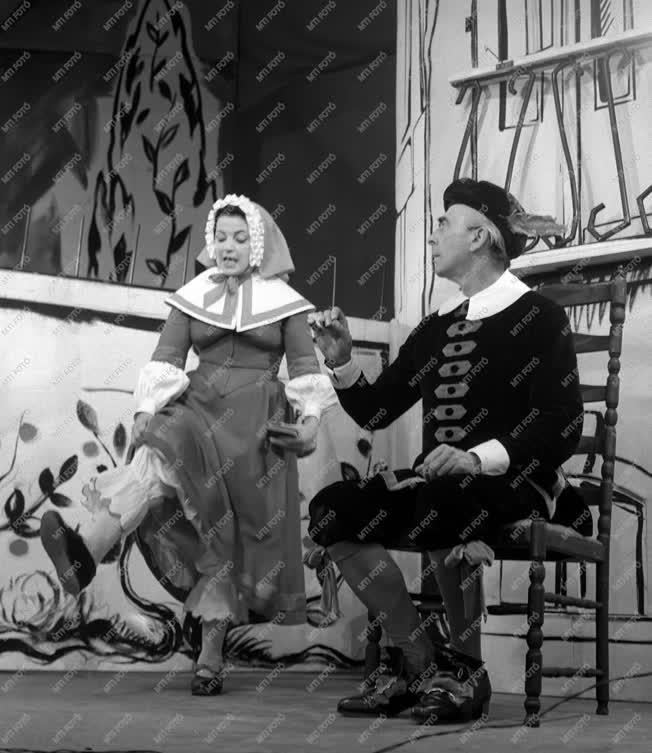Kultúra - Színház - A nők iskolája