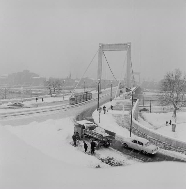 Városkép-életkép - Hóeltakarítás
