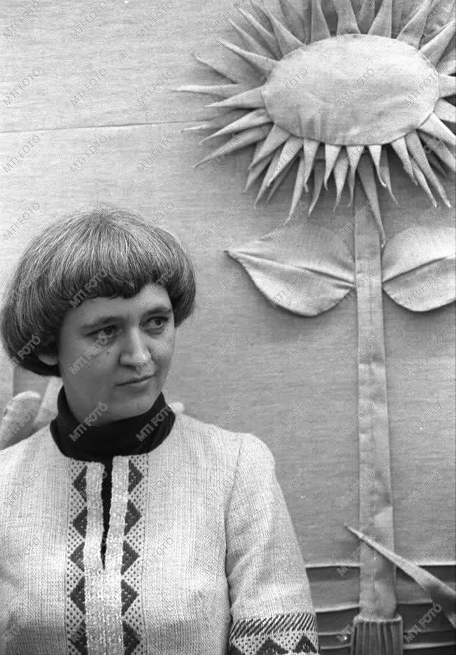Széchenyi Lenke Munkácsy-díjas gobelin-művész