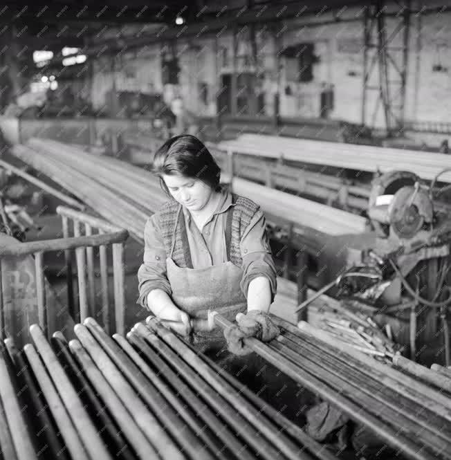 Ipar - Csepel Vas- és Fémművek Csőgyára