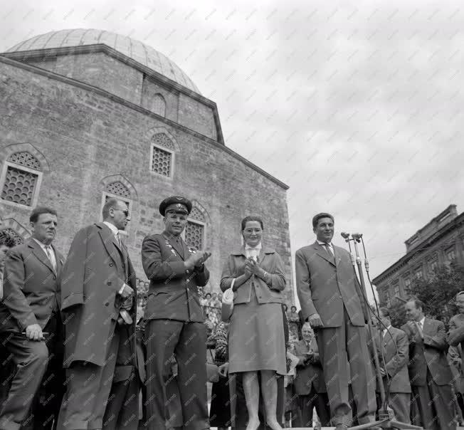 Külkapcsolat - Gagarin Magyarországon