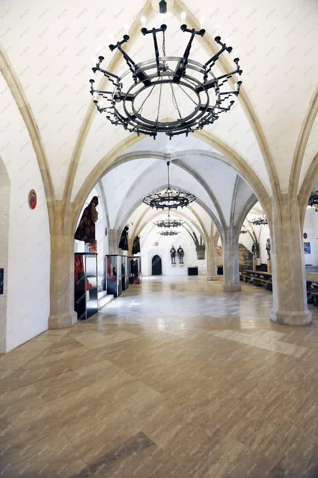 Turizmus - Diósgyőr - Az újjáépített vár